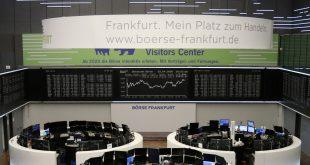 El gráfico DAX del índice de precios de acciones alemán se muestra en la bolsa de valores de Frankfurt