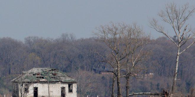 Nueva York podría habilitar tumbas en parques para fallecidos de la COVID-19
