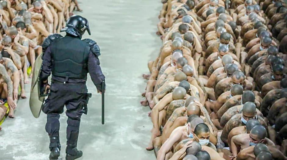Las cárceles de El Salvador tienen la tercera mayor tasa de hacinamiento del mundo