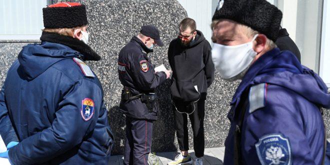 En Rusia detienen a médicos por informar cifras del COVID-19
