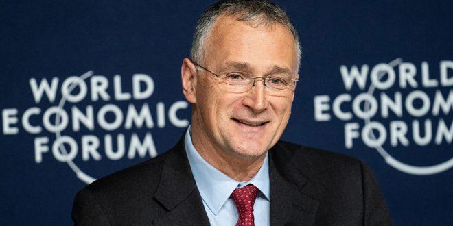Renuncia del jefe científico de la UE desata tormenta sobre el manejo de la crisis