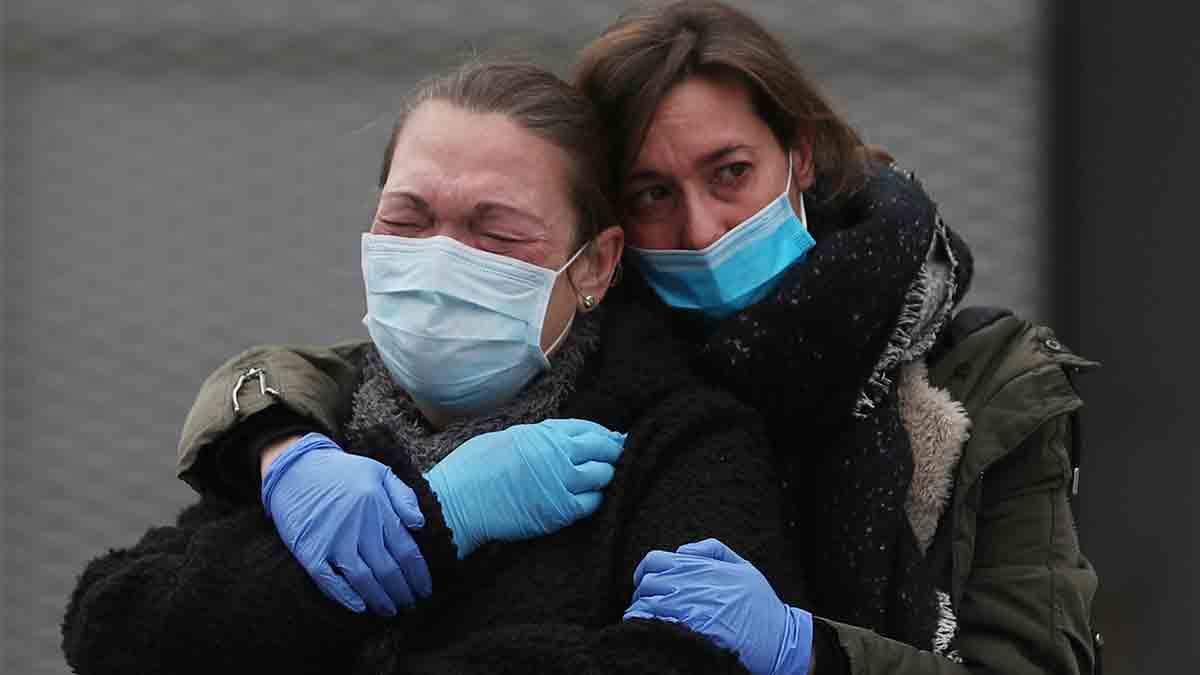 Las lágrimas podrían ser una fuente de contagio de la COVD-19. Imagen: Reuters