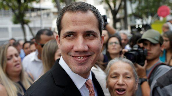 Durante la juramentación de la Junta Directiva el 5 de enero, la Guardia Nacional impidió a Juan Guaidó y a un grupo de parlamentarios ingresar a la sede del Capitolio