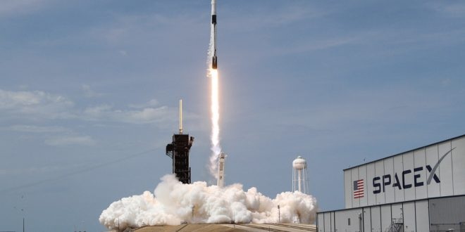 Falcon9 y el Crew Dragon marcan una nueva era espacial.