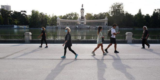 España anuncia mayores flexibilizaciones en la desescalada