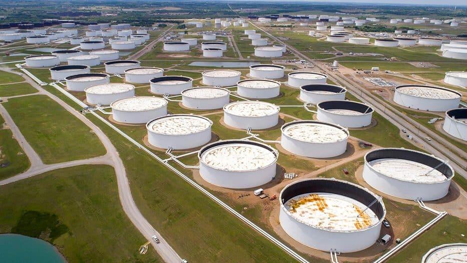 Precios del petróleo suben por reactivación y recortes de producción