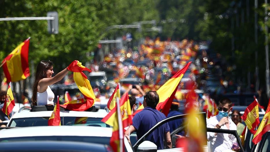 Madrid y Barcelona continúan luchando y avanzan a la Fase 1