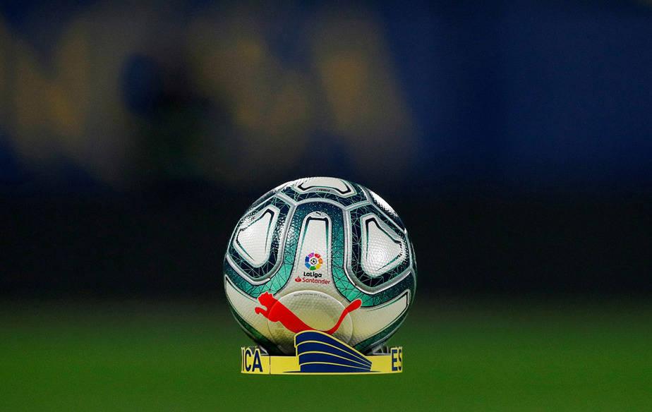 fútbol con gradas virtuales