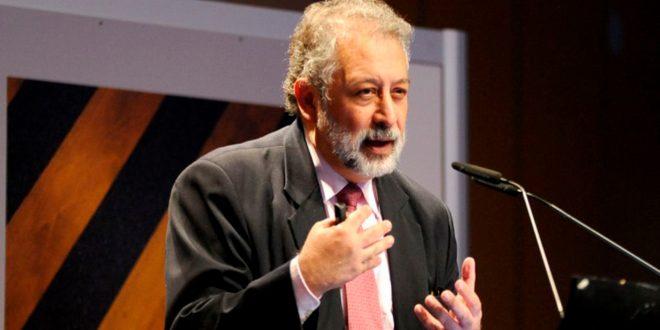 Daniel López Acuña, exjefe de la OMS, rechaza las pruebas masivas de la COVID-19