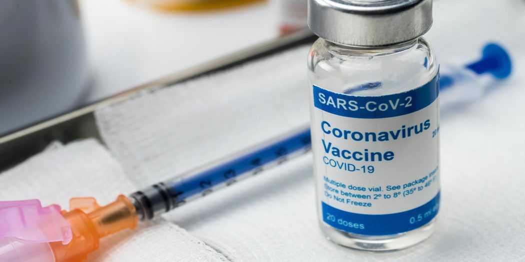 Miles de personas en el mundo están recibiendo pinchazos en los brazos, como parte de las pruebas por lograr una vacuna contra el COVID-19 / Envato