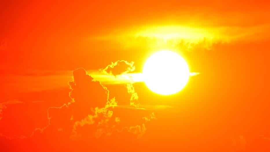 Científicos obtienen energía limpia a partir de la luz solar y el CO2
