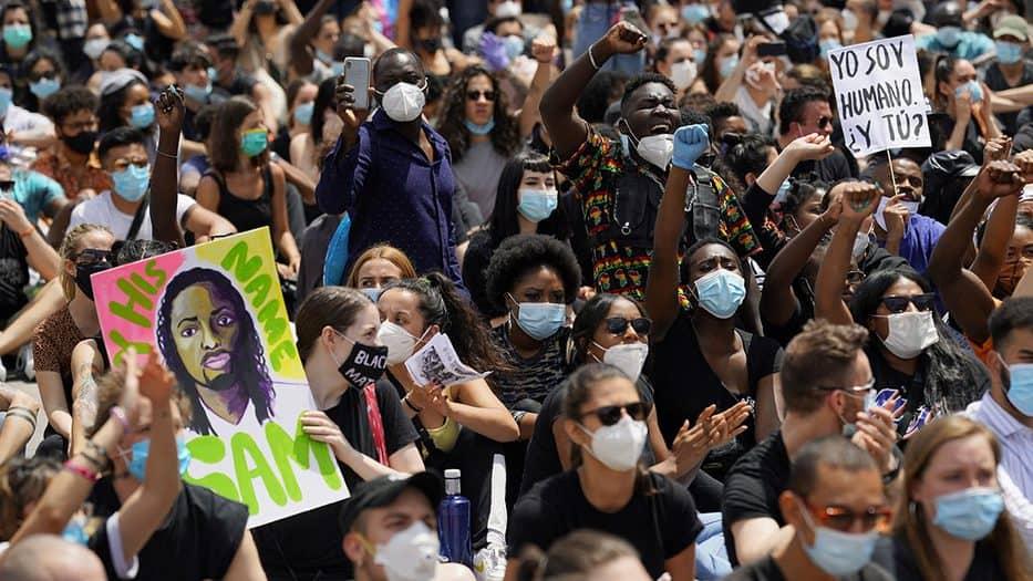 Protesta contra el racismo: España se salta el distanciamiento