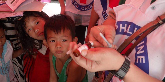 """Cruz Roja y la ONU instan a desarrollar una """"vacuna del pueblo"""" contra la COVID-19"""