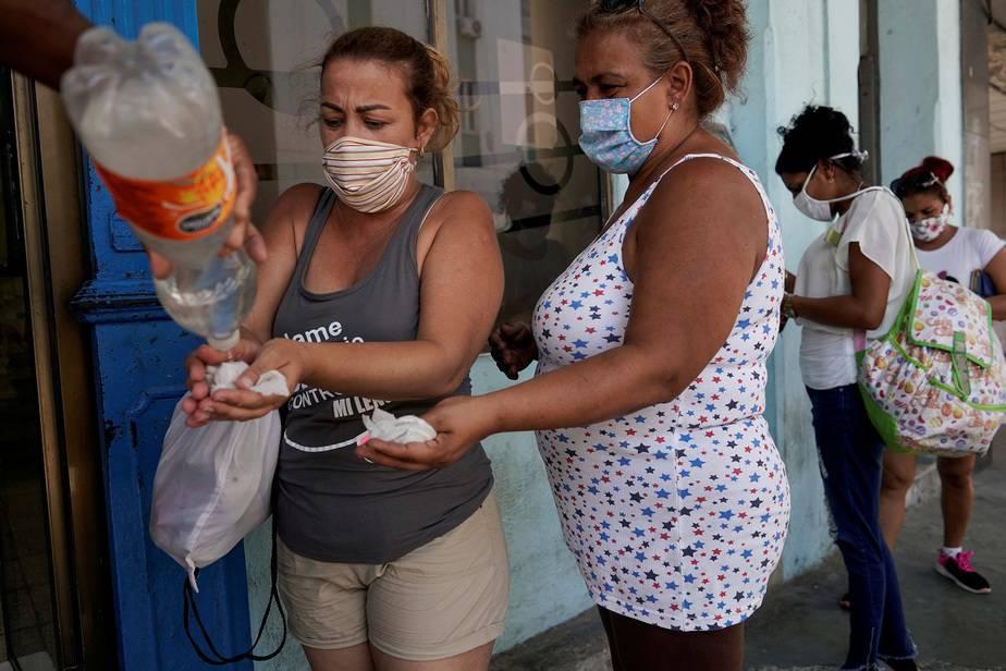 OMS alerta, van 250.000 nuevos contagios en 24 horas por coronavirus / Foto REUTERS / Alexandre Meneghini