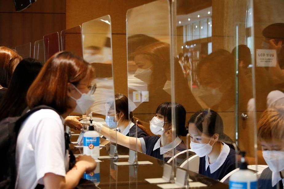 Hay 95 modelos de mascarillas que no te protegen del coronavirus / Foto REUTERS / Heo Ran