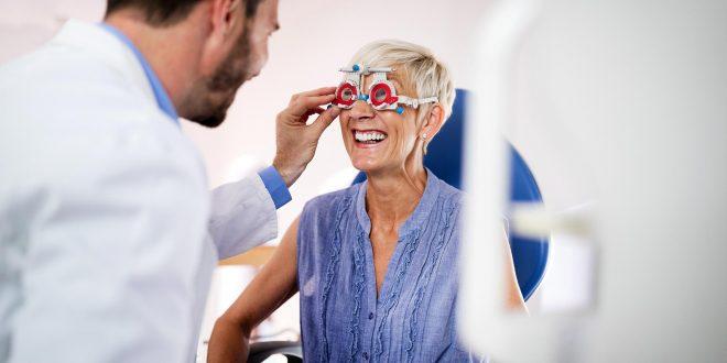 Ver un halo de luz roja durante 3 minutos al día mejora la vista de los mayores de 40 años