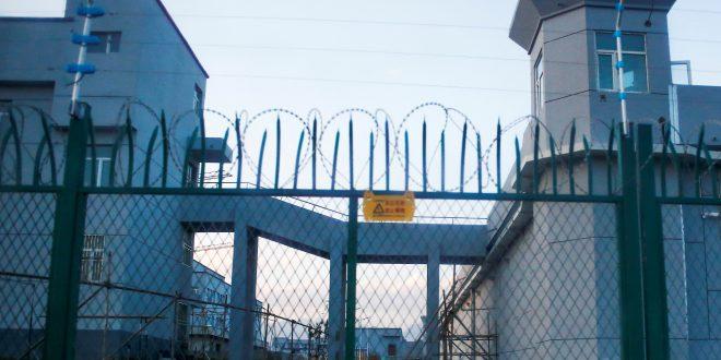 Extensiones de cabello, un coqueto accesorio a costa de prisioneros uigures en China