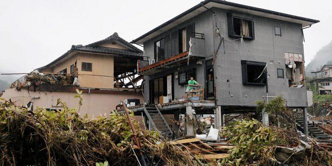 Lluvias inundan Japón y ponen en alerta a España