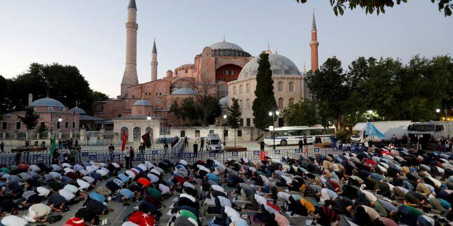 Reconvertir Santa Sofía en mezquita unió al mundo en contra de Erdogan