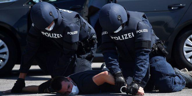Amnistía Internacional:  Policía de Europa abusa de las minorías durante la cuarentena