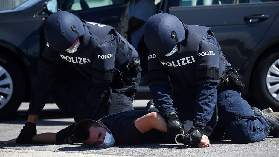 Amnistía Internacional denuncia abusos policiales por la COVID-19