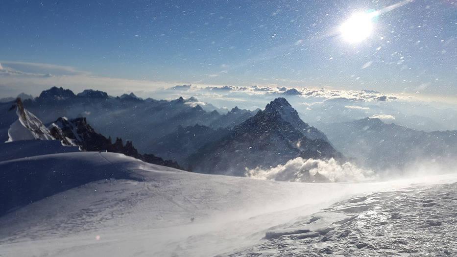 Derretimiento en el Mont Blanc abre una cápsula del tiempo hacia 1966