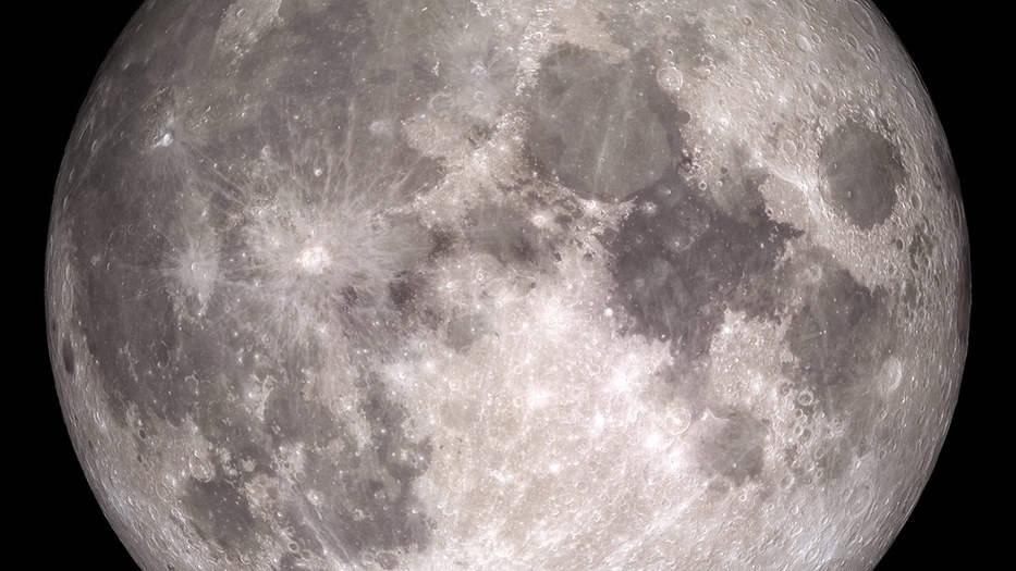 La NASA dice que la Luna es más metálica de lo que se creía