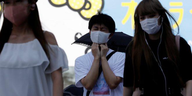 Gobernador de Osaka recomendó gárgaras con povidona yodada para la COVID-19