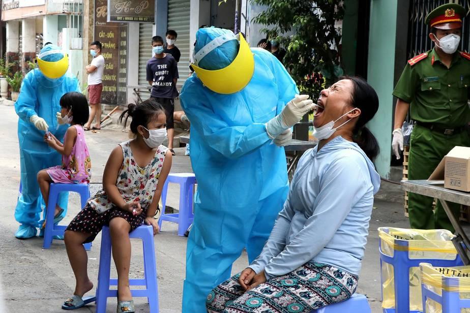 La COVID-19 ya tendría un freno, la inmunidad de rebaño / Foto Trinh Quoc Dung/VNA via REUTERS