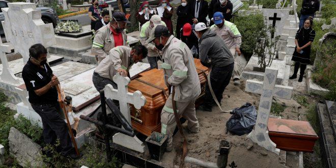 La COVID-19 les arrebató la vida a más 701.000 personas en menos de 6 meses