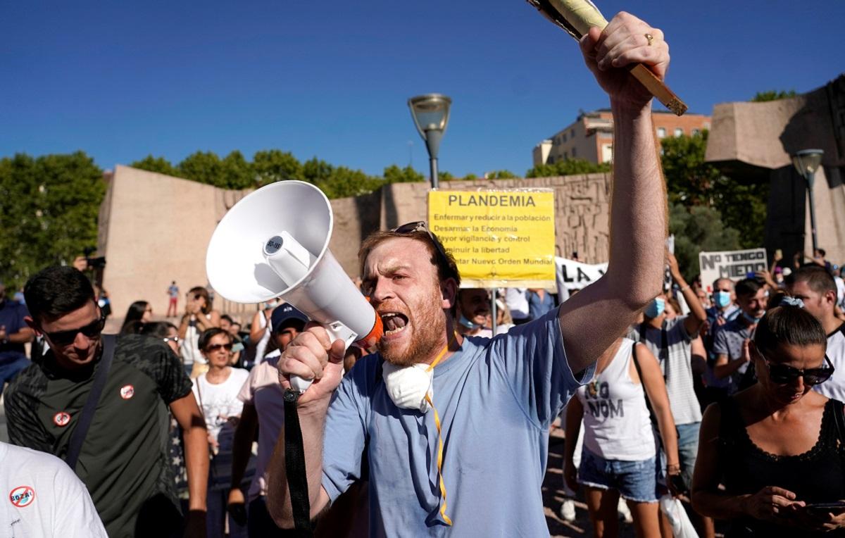 Corrientes negacionistas contra la COVID-19, ¿una amenaza social?/   Foto REUTERS / Juan Medina