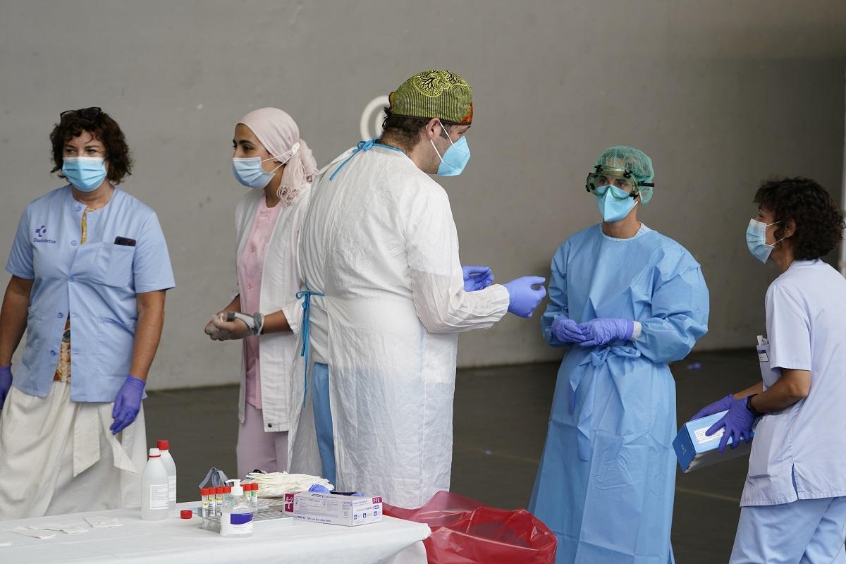 Preocupación en España, contagios por la COVID-19 son comunitarios / Foto  REUTERS / Vincent West