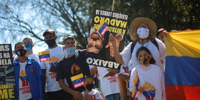 Cuba emplea redes sociales para aupar al régimen de Maduro y sus aliados