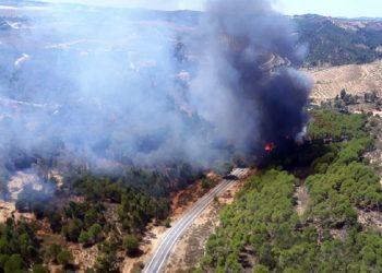 Incendios en Huelva obligan a 3.200 personas desalojar sus viviendas / Foto @aragonradio