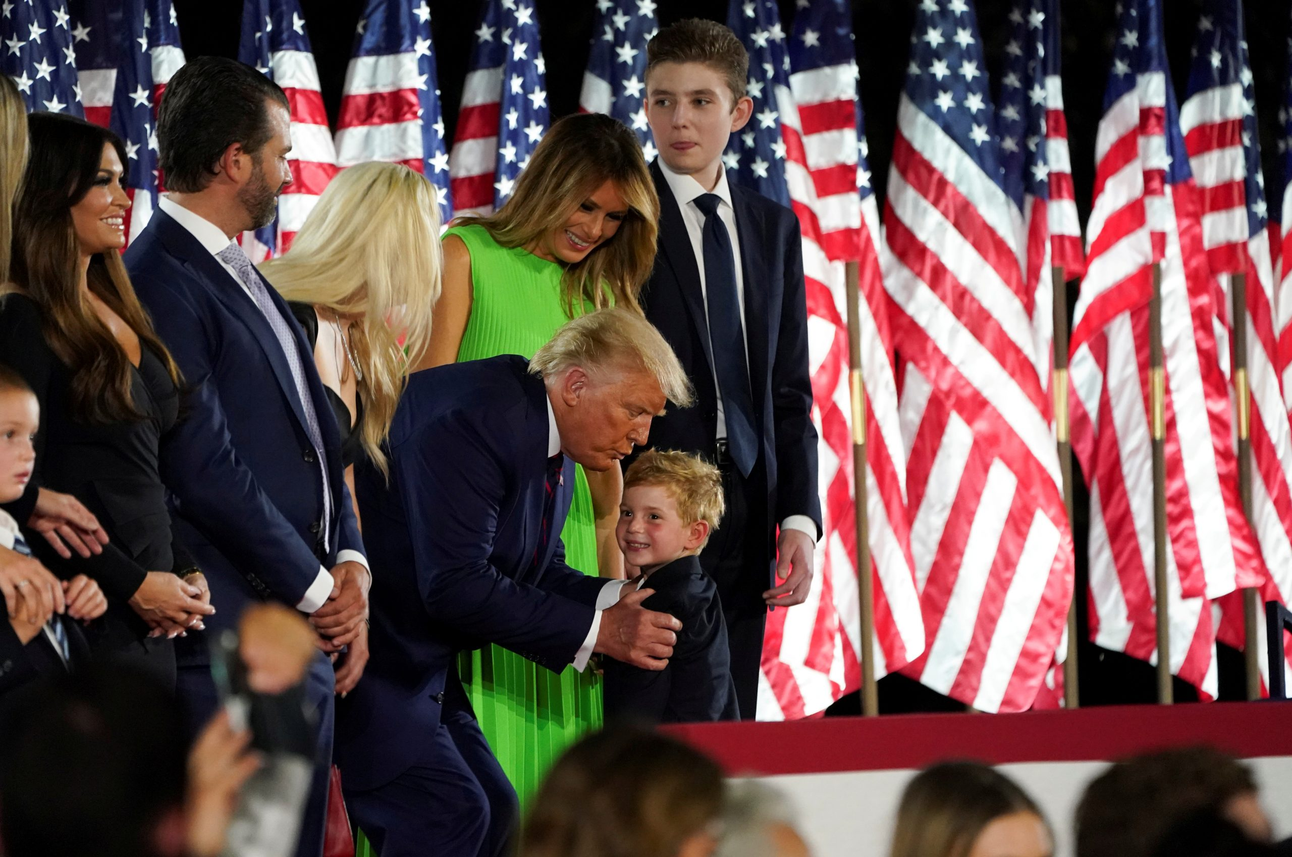 Trump se postuló