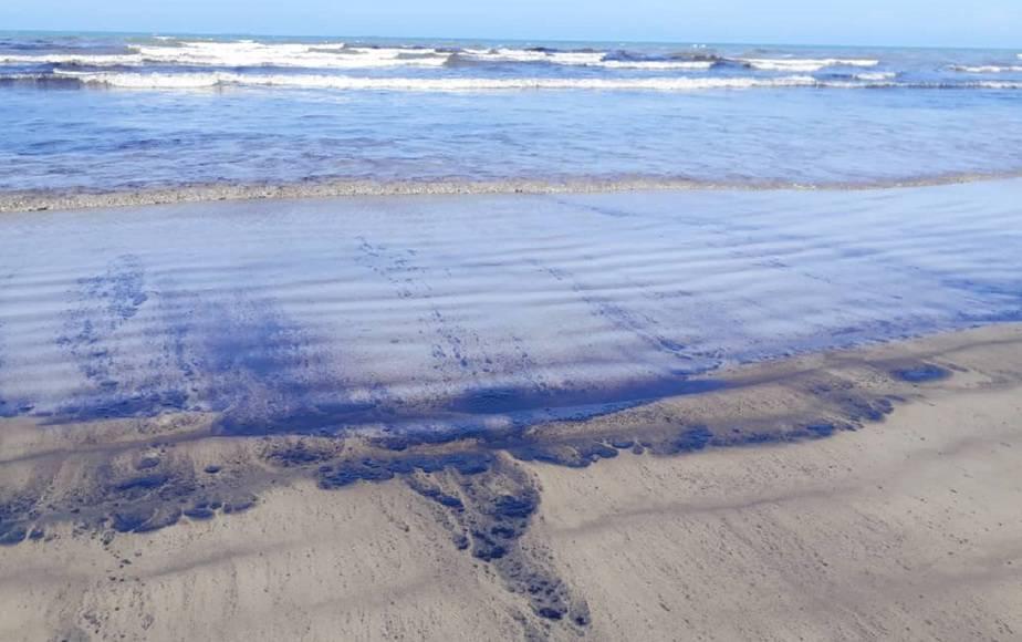 Derrame de petróleo afecta al Parque Nacional Morrocoy en Venezuela / Foto @guanaparo