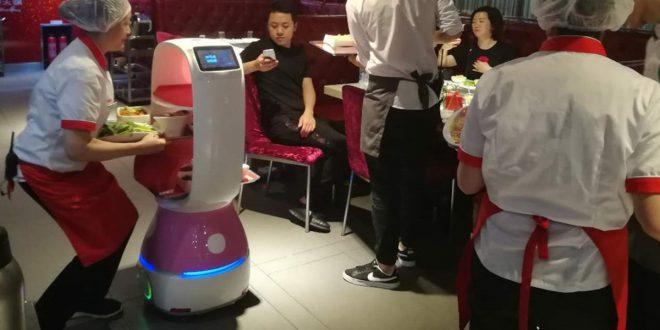 Robots de China llegan a España para frenar la propagación del coronavirus