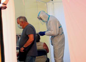 Las cifras de contagiados aumentan día a día en España / Foto REUTERS / Albert Gea