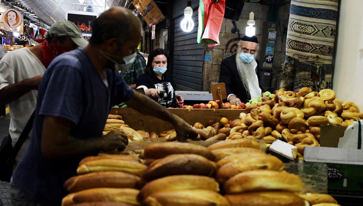 En tiempos de coronavirus, comer en casa es la mejor opción / Foto REUTERS / Ammar Awad
