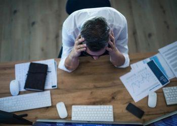 El sedentarismo y la falta de actividad física, desviaciones del teletrabajo, son algunos de los factores de riesgo de las enfermedades no transmisibles.