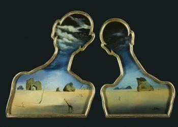 Couple aux têtes pleines de nuages