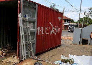 Hallan siete hombres desaparecidos en Europa en un contenedor de Paraguay