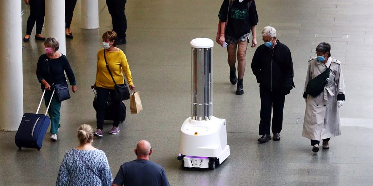 España y los robots esterilizadores