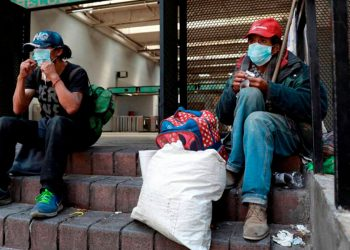 La COVID-19 ha presentado distintos retos. Mantener la economía a flote es uno de ellos, pues millones de personas en el mundo han sido empujadas hacia la pobreza / REUTERS