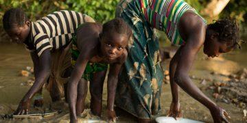 Mujeres y niñas son las principales víctimas de la esclavitud moderna / REUTERS/Siegfried Modola