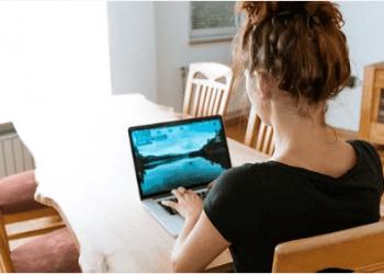 Google presentó y demostró un sistema de detección del lenguaje de señas que ayudaría a personas con discapacidad auditiva a comunicarse mejor a través de las videollamadas. Foto: Pixabay