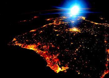 En España apuestan por una luz menos contaminante y que les permita ver la Vía Láctea cada noche / NASA