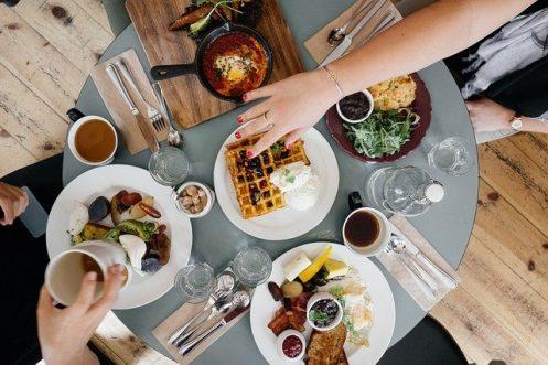 Cierto consumo de alimentos puede disminuir o aumentar el riesgo de cáncer / Imagen de Free-Photos en Pixabay