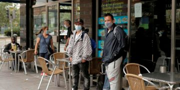 """La prensa alemana calificó de """"milagro"""" lo que están haciendo en Madrid para frenar los contagios de la COVID-19 / REUTERS"""