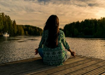 Un nuevo estudio muestra resultados beneficioso para mujeres con cáncer de mama tras practicar meditación y mindfulness en Portugal / Imagen de Shahariar Lenin en Pixabay
